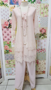 Soft Pink Lace 4-Piece LR021