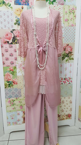 Dusty Pink Lace 3-Piece LR026