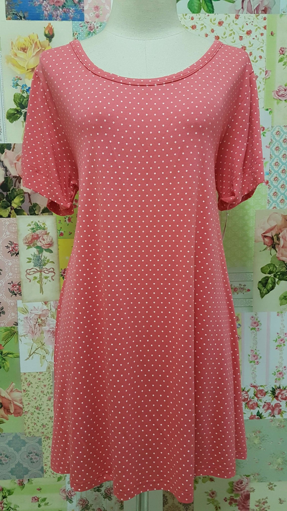 Coral & White Top BE015