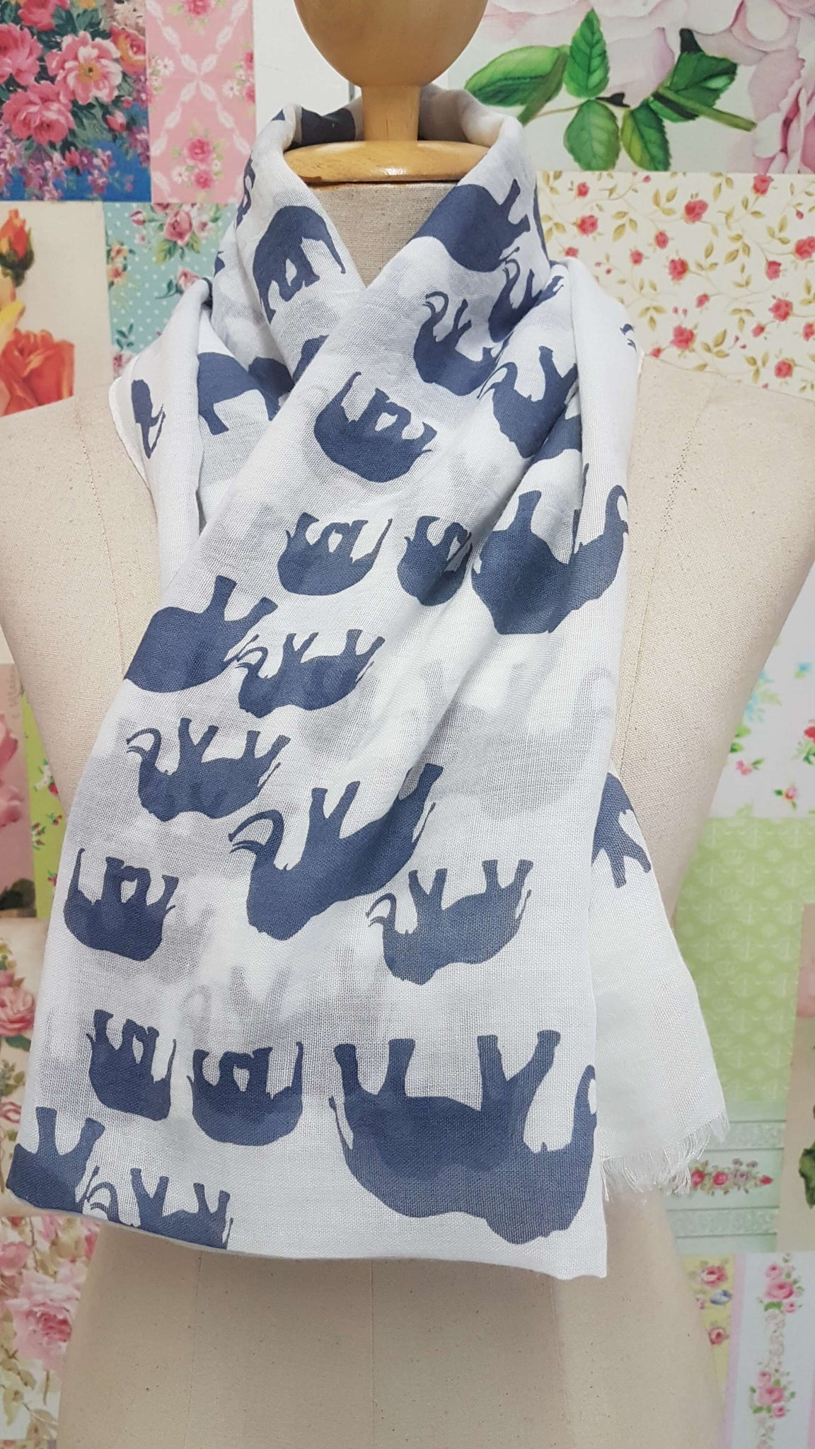 White & Blue Printed Scarf SE050
