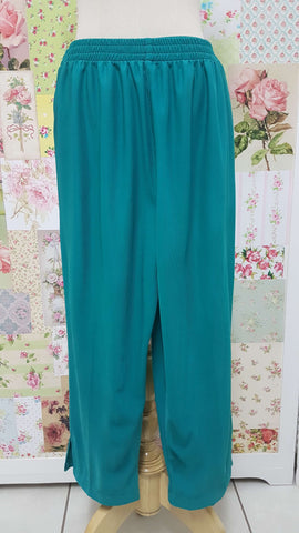 3/4 Emerald Green Pants BK0407