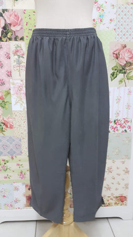 3/4 Grey Pants BK0353