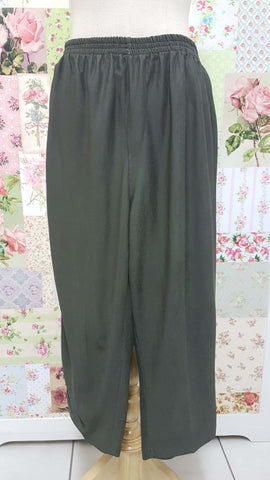 3/4 Avocado Green Pants BK0356
