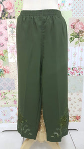 3/4 Green Pants BK0366