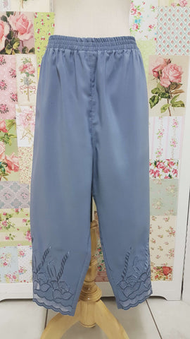 3/4 Grey Pants BK0379