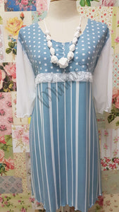 Blue & White Top LR0327