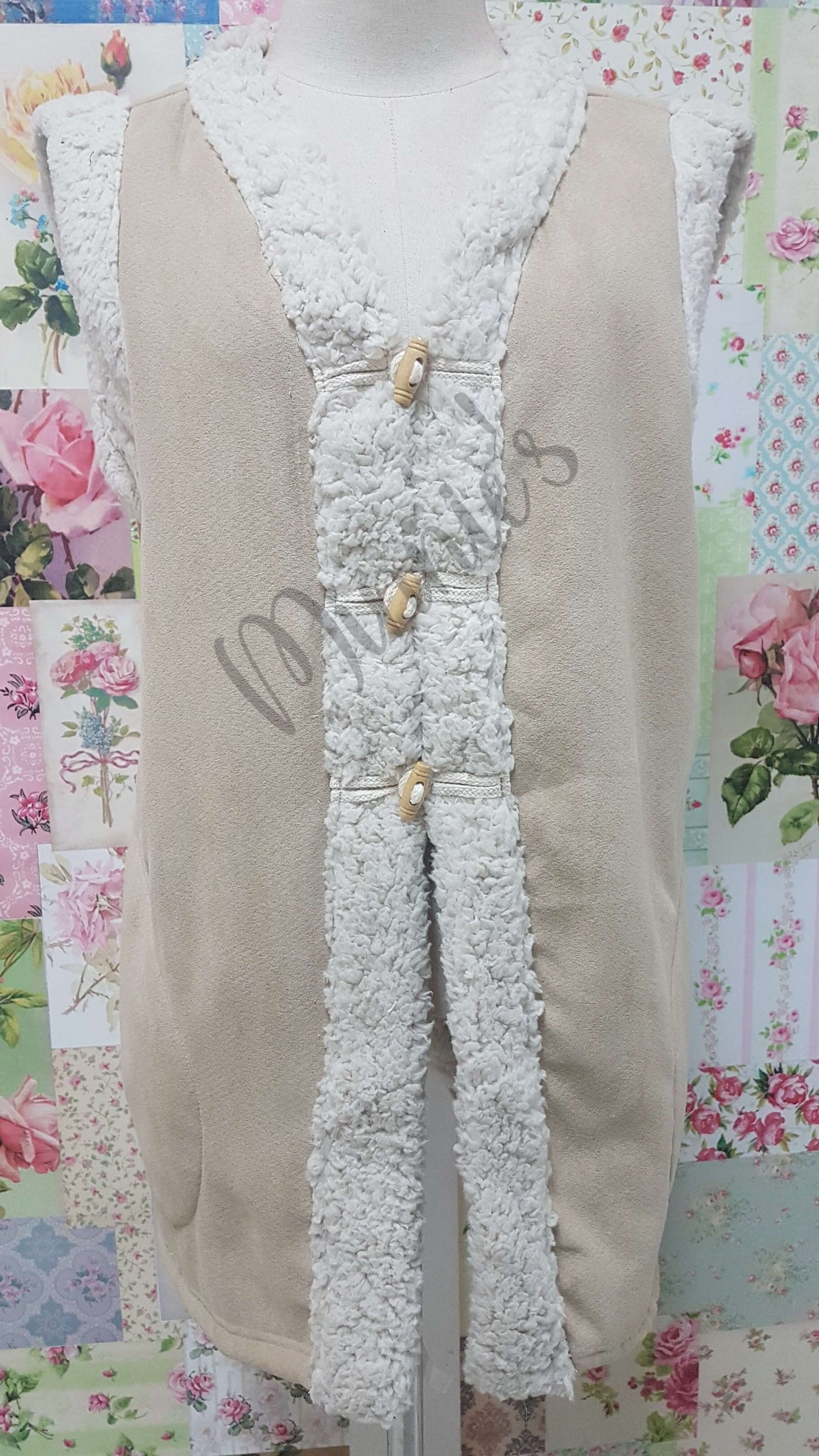 Sleeveless Jacket AC074