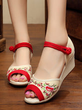 Embroidery Pumps