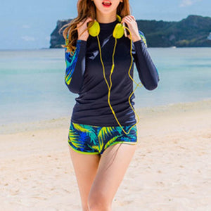Floral Printed Long-Sleeved Sunscreen Swimsuit