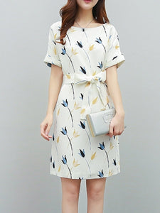 Round Neck  Belt  Floral Printed Shift Dress