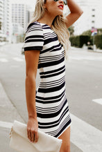 Round Neck  Striped  Short Sleeve Bodycon Dresses