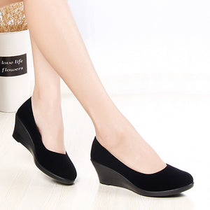 Plain  High Heeled  Velvet  Round Toe  Casual Closed-Toe Wedges