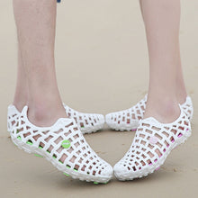 Double Hole Hollow Out Breathable Beach Sandals