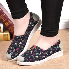 Floral  Flat  Cotton  Round Toe  Casual Flat & Loafers