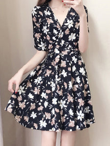 V Neck Print Shift Dress