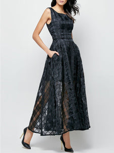 Plaid Hollow Out Pocket Round Neck Maxi Dress