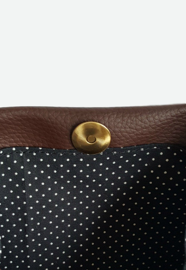 Vilma Minimalist Vegan Clutch Bag - Brown - Veenofs
