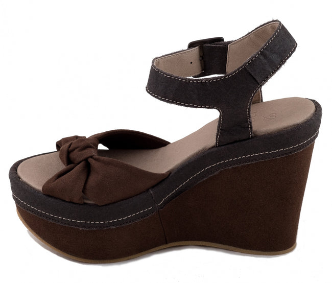 Nae Sara Piñatex Wedge Vegan Sandals - Brown - Veenofs
