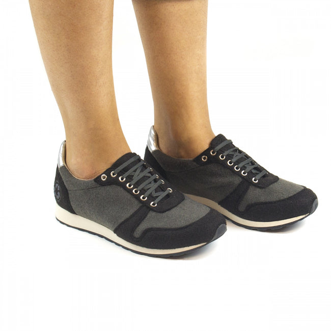Nae Re-Bottle Vegan Trainers - Black - Veenofs