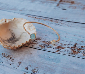Gold Beads Setting Oval Blue Agate and Mother of Pearl Bangle