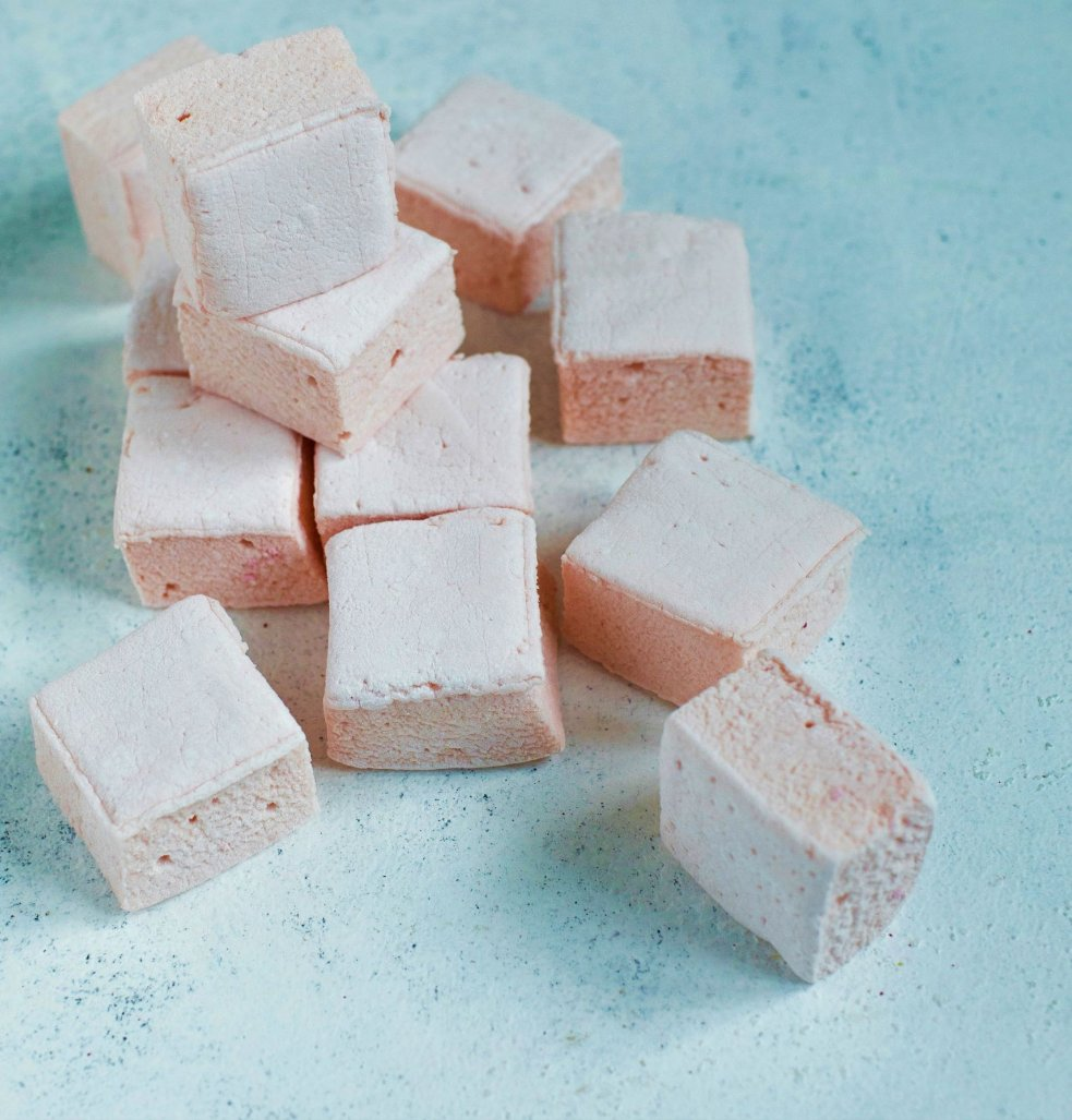 pink gin & lemon marshmallows 100g