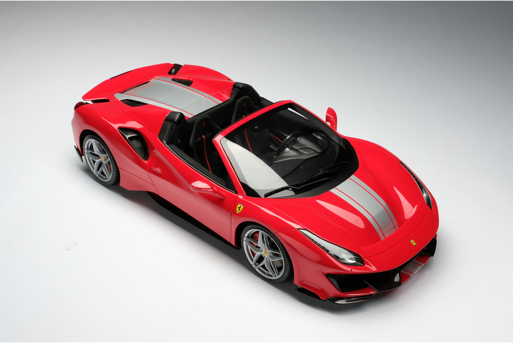 Ferrari 488 Pista and the 488 Pista Spider at 1:8 scale