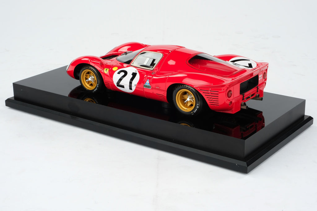 Ferrari 330P4 - Le Mans 1968 at 1:18 scale