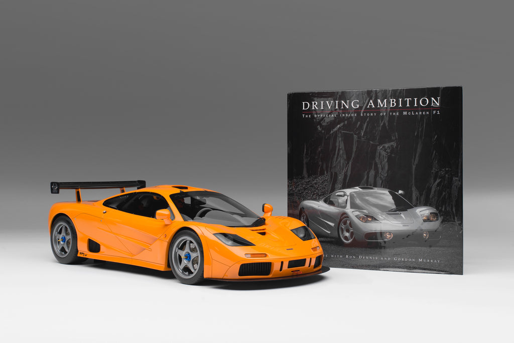 "迈凯伦F1 LM (1995) + Gordon Murray signed Copy of ""Driving Ambition"""