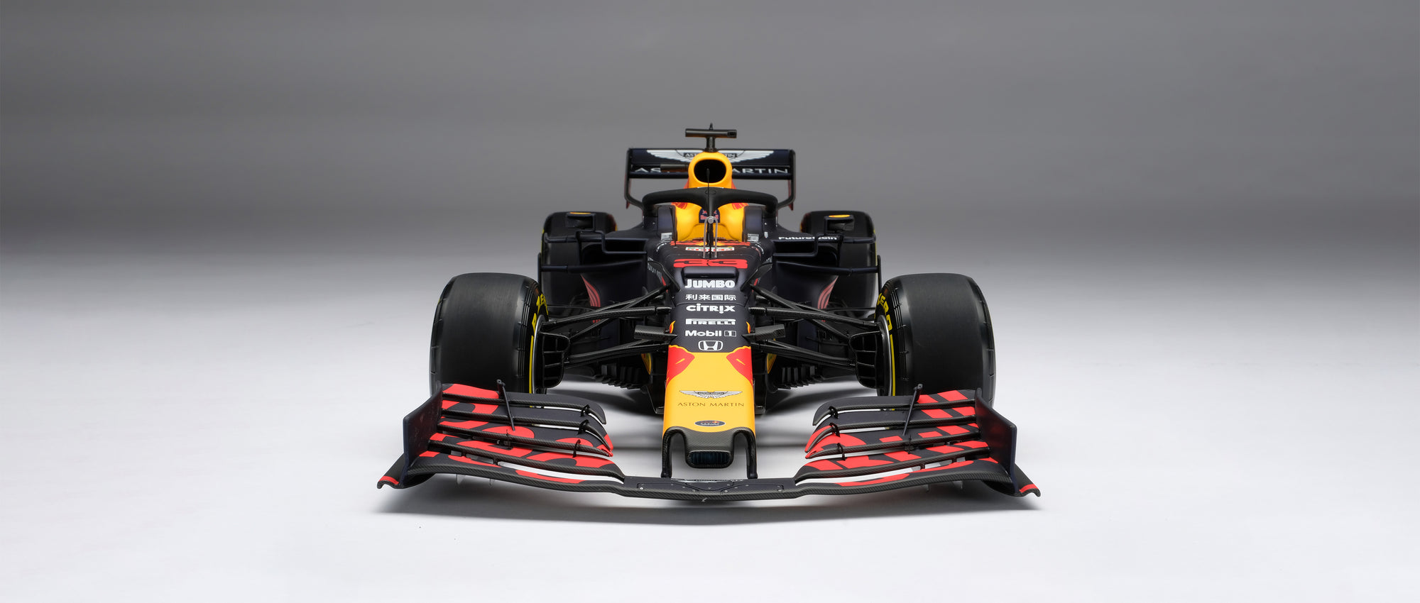 Aston Martin Red Bull Racing RB15 1:8 scale model