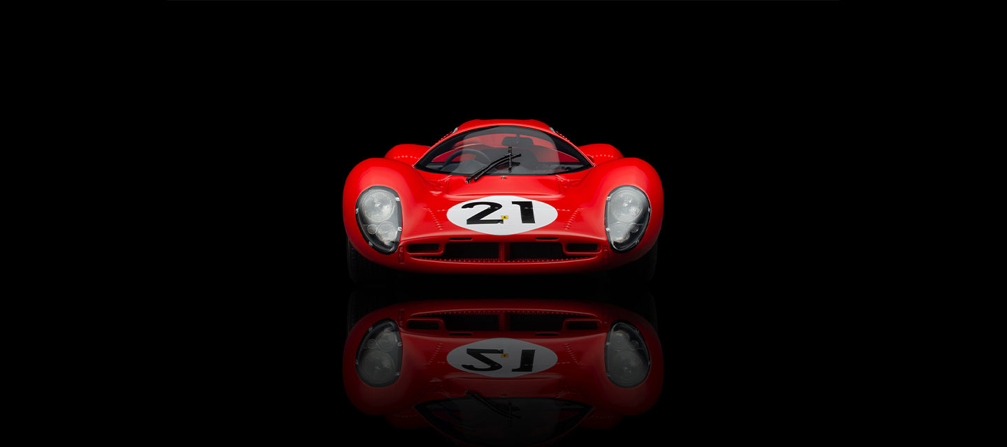 Amalgam Collection Ferrari 330 P4 model at 1:18 scale