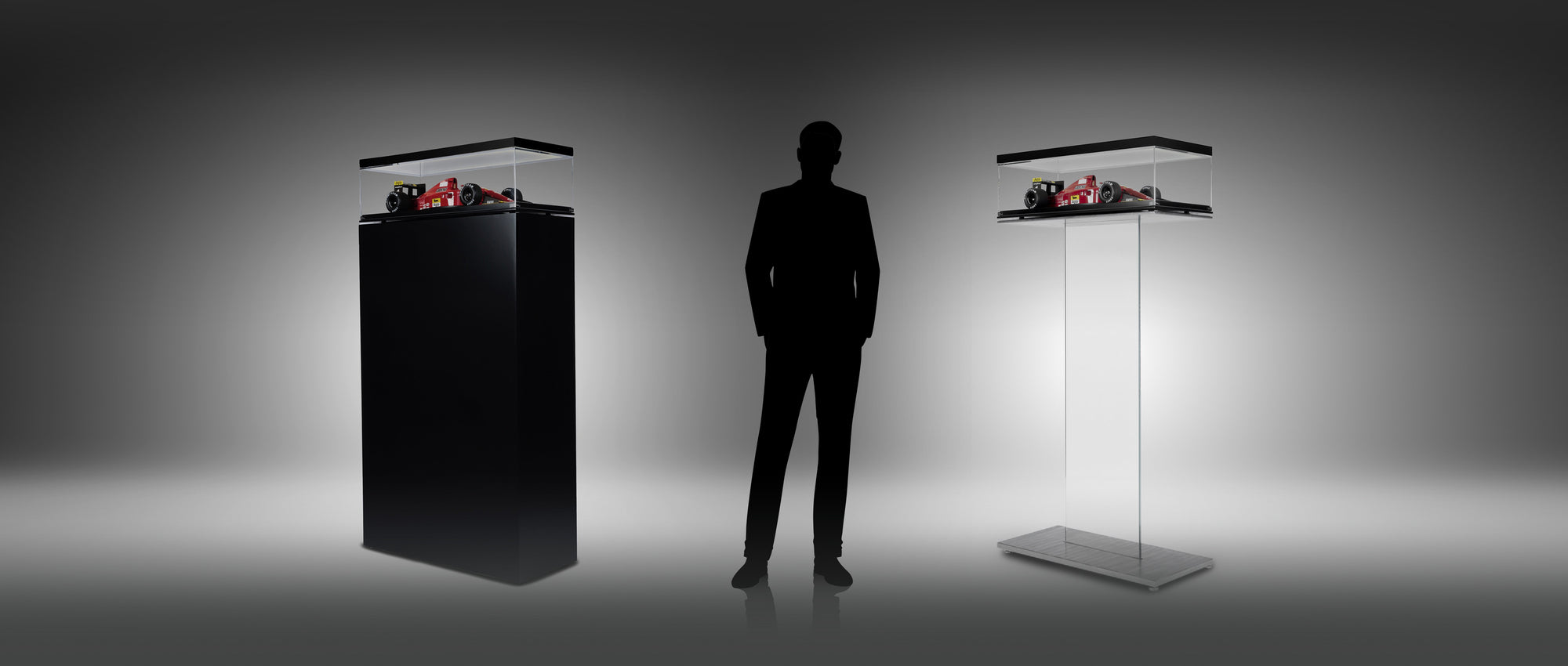 Display cabinets for 1:8 scale models