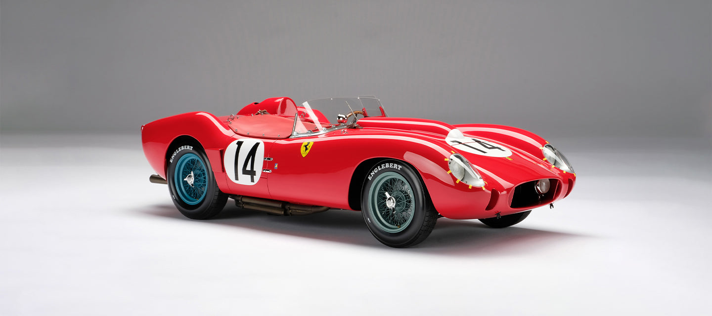 Amalgam Collection model of the Ferrari 250 TR 1958 Le Mans Winner as driven by Olivier Gendebien and Phil Hill at 1:8 scale