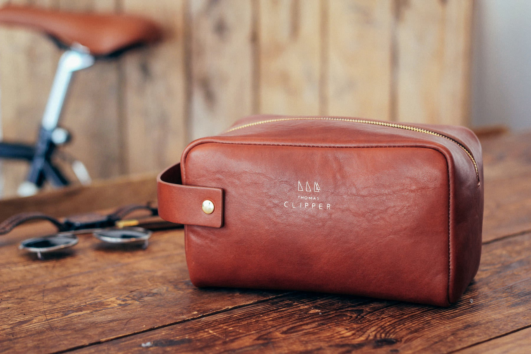 The best wash bag you'll ever own. Created to travel with you on every adventure, handmade traditionally to wear in with age.