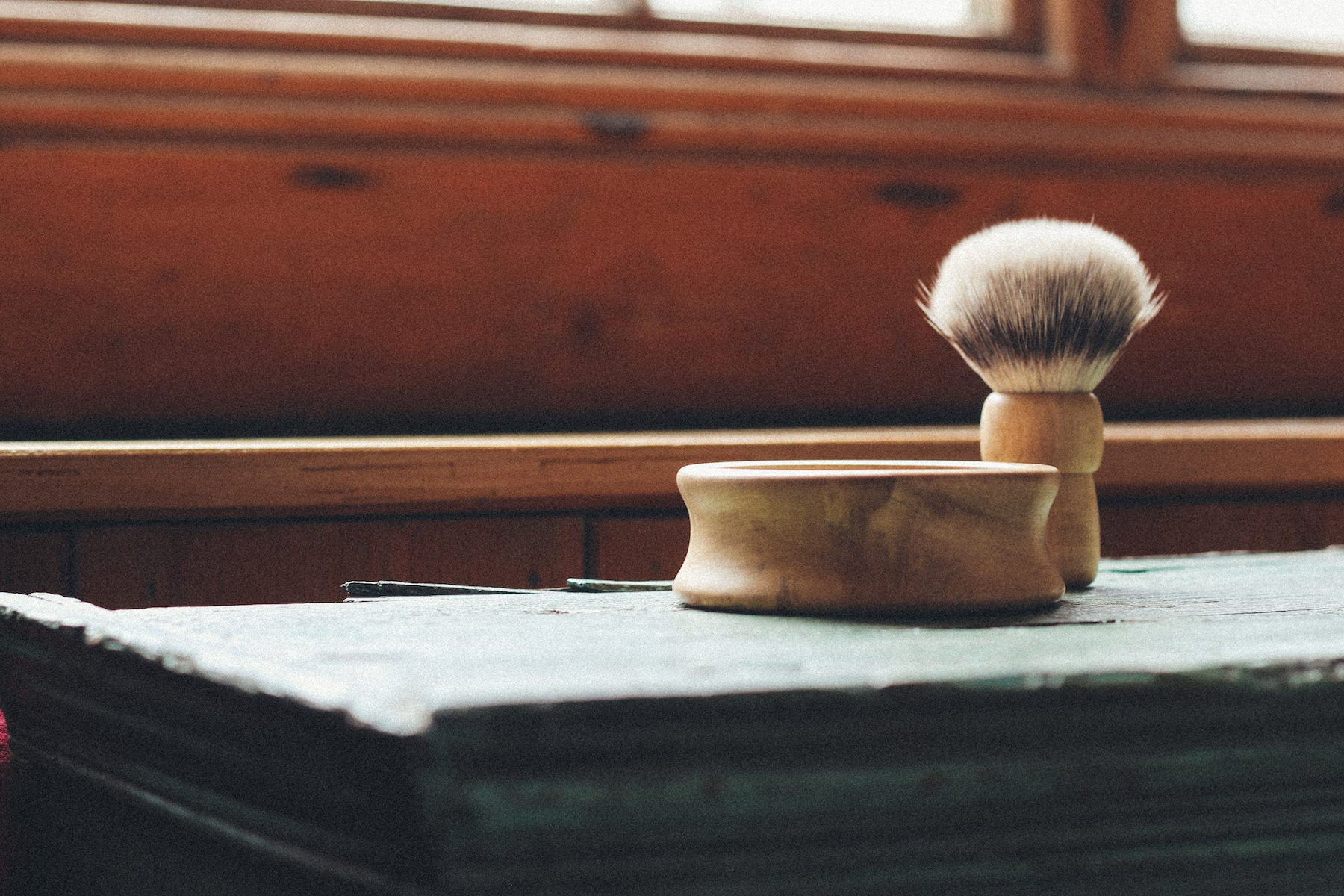 Brush and bowl handmade in Britain for Thomas Clipper.
