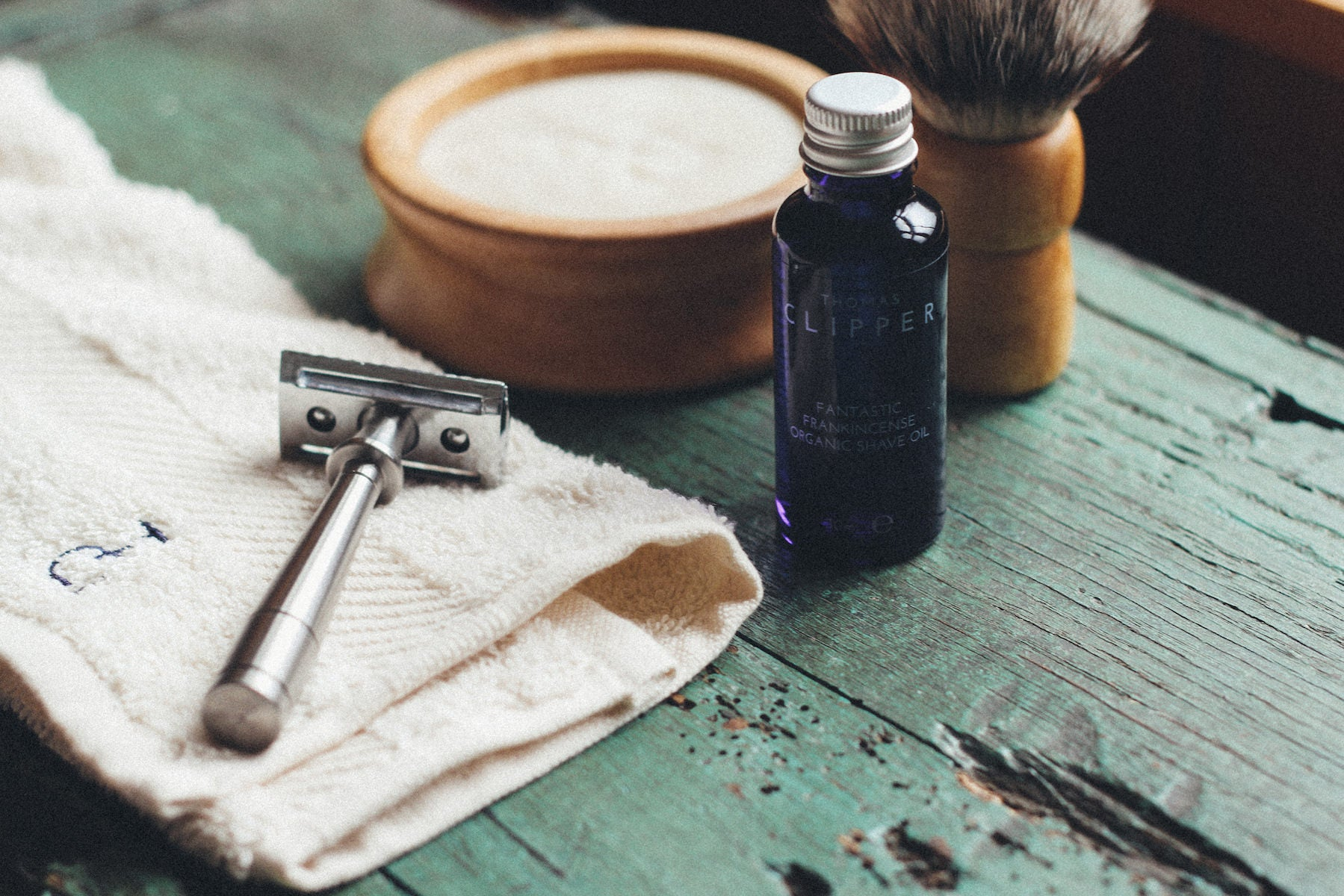 Everything you need for the perfect shave: from lather to blade. From Thomas Clipper.