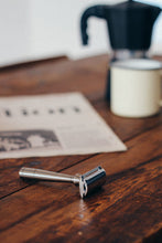 Load image into Gallery viewer, Mark K - Safety Razor - Thomas Clipper