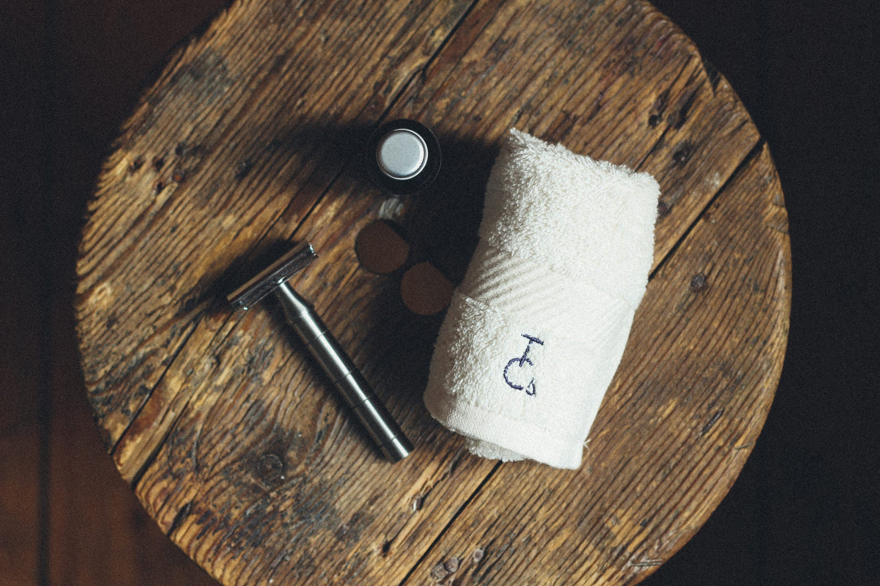 Handle crafted in Britain by Nigel with a head chromed and cast in Delhi. Luxury organic shave oil developed and made in the UK. Premium organic cotton flannel embroidered in Devon, England.