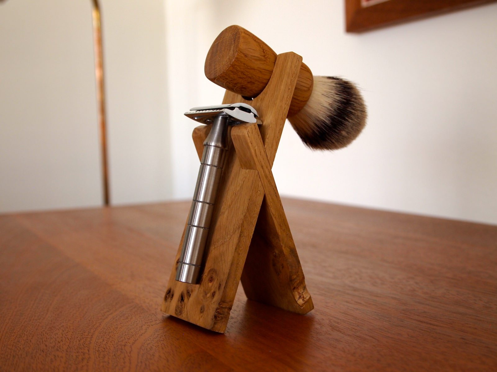 Anniversary Oak - Razor and Brush Stand
