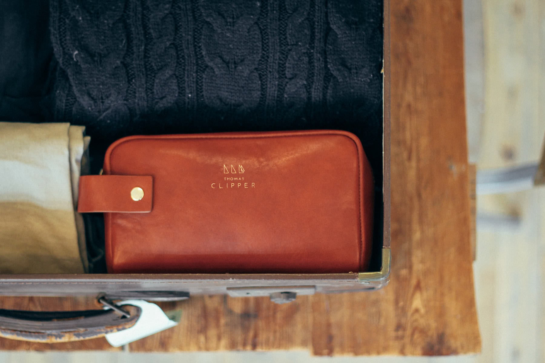 Designed in London, handmade in Italy from full grain vegetable tanned leather. With you on every adventure.