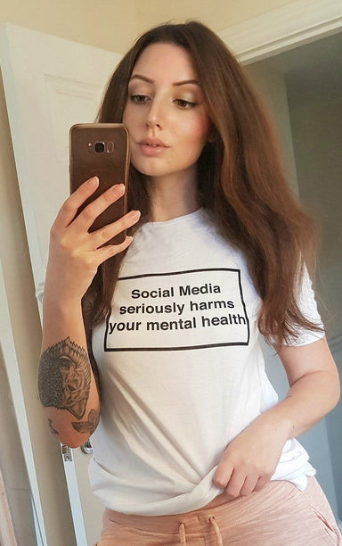 Social Media Serious Harms your Mental Health White T-Shirt T-Shirt Splashy