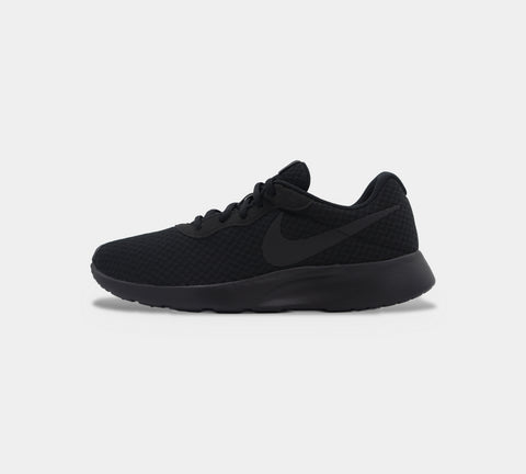 Nike Tanjun 812654 001 Trainers Black