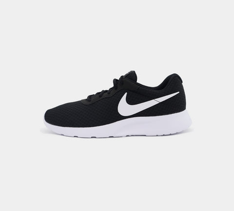 Nike Tanjun Trainers 812654011 Black