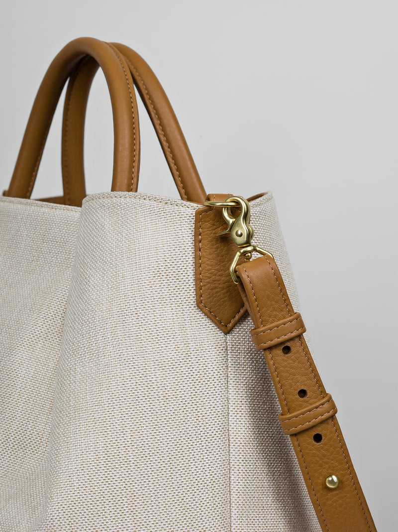 The Marché Tote in Cognac
