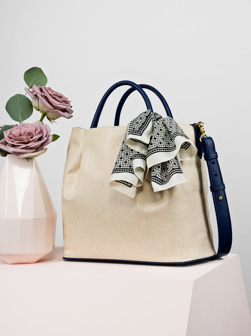 The Marché Tote in Océan Royal Blue
