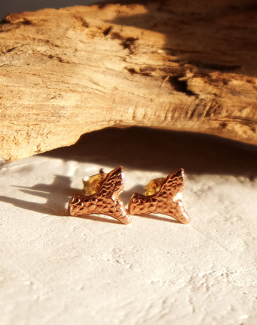 MERMAID'S FIN RED GOLD | EARSTUDS