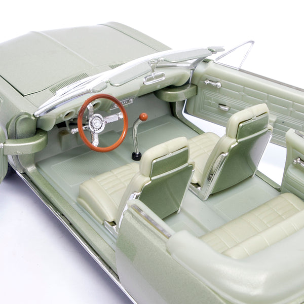 1969 CORVAIR MONZA (1:18 Scale)