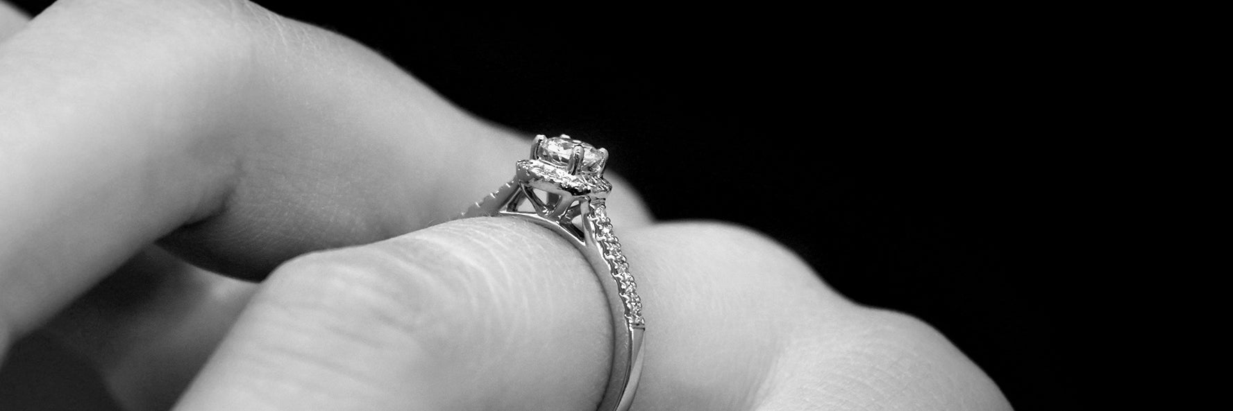 Diamond guide, nouveau jewellers, bespoke engagement, jewellers in manchester