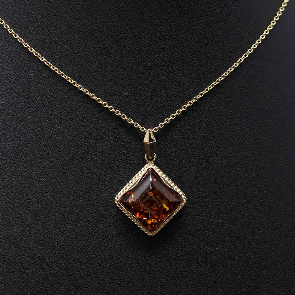 Nouveau Jewellers, Amber Jeweller, 9ct Gold, Amber Necklace, Manchester Jewellers