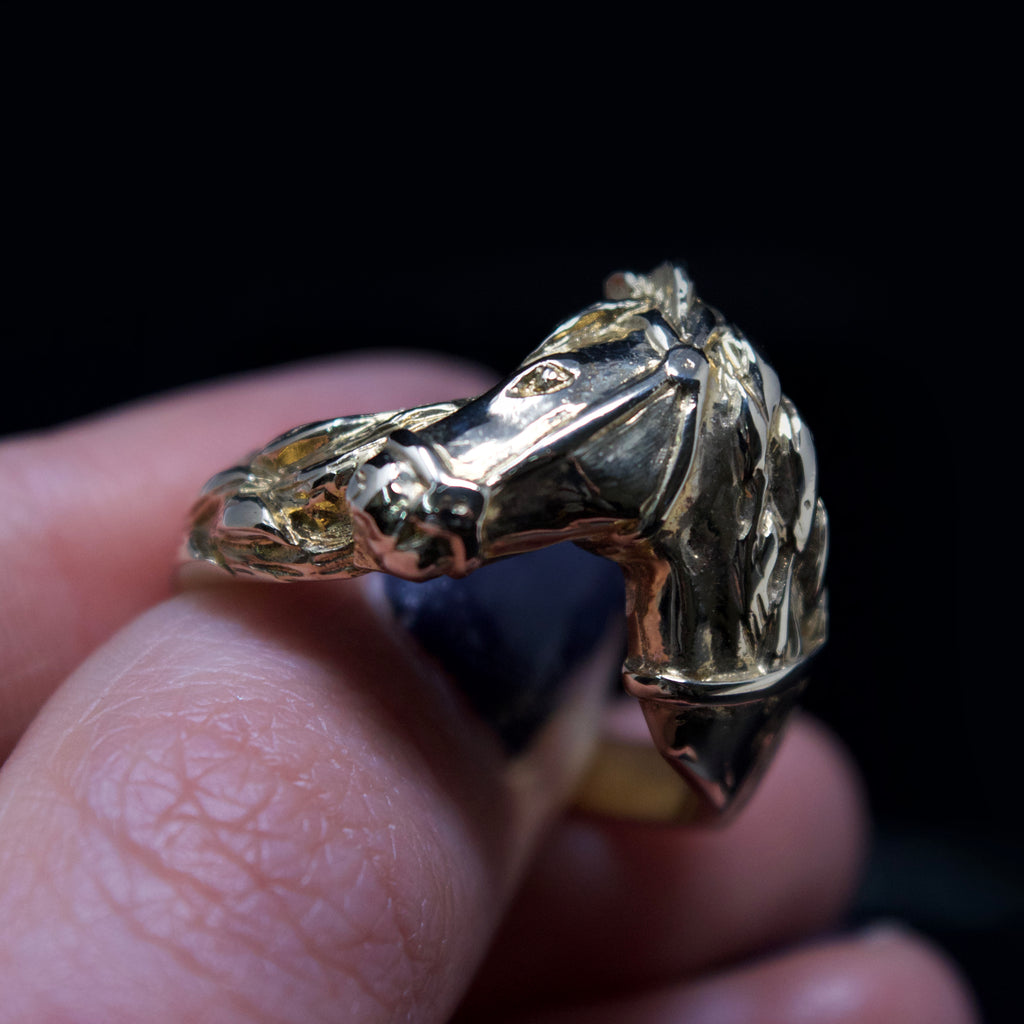 9ct gold signet ring, nouveau jewellers, equestrian signet ring, jewellers in manchester