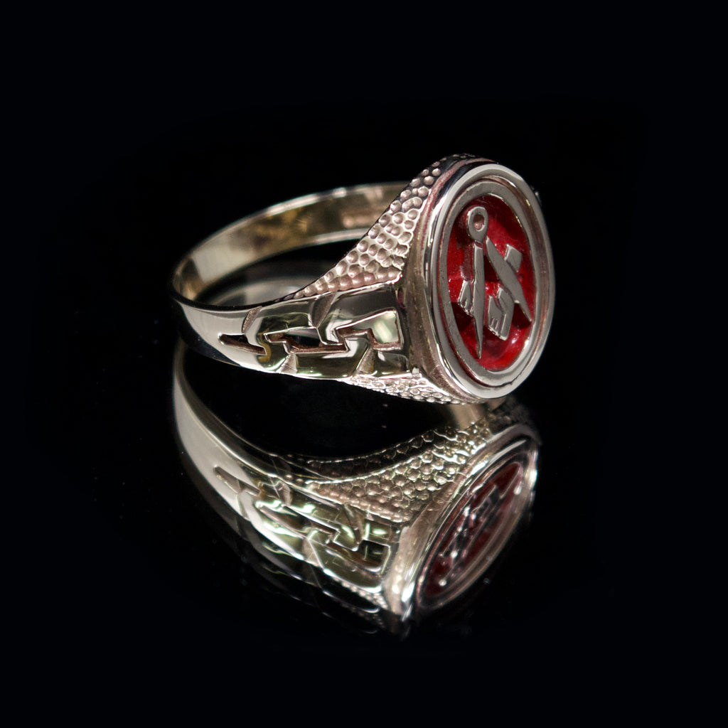 freemason swivel signet ring, nouveau jewellers, mason signet ring, red mason gold signet ring, jewellers in manchester